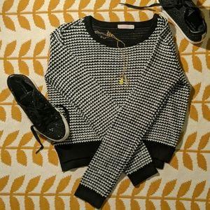 Ardene Sweater w/ Black & White Pattern